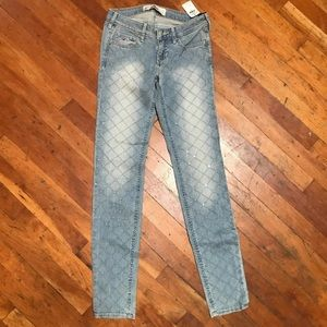 Hollister jeans size 0 or 24